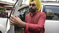Bhagwant Mann Staggers And Stumbles On Stage, Blows Kisses At His Audience During