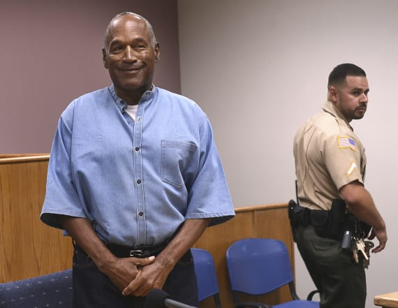 O.J. Simpson makes Twitter debut with viral post