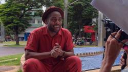 Lázaro Ramos quer ocupar o domingo da Globo com diálogo e com