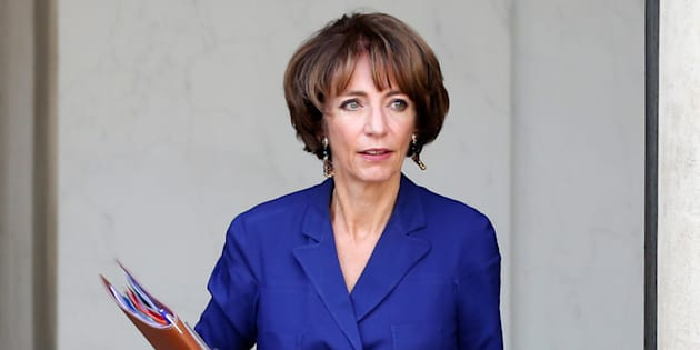 """La ministre de la Santé s'est prononcé en faveur d'un """"débat de santé publique"""" sur la question du cannabis."""