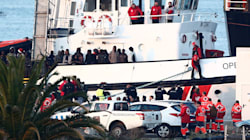 El barco Open Arms llega a Algeciras con más de 300 migrantes a