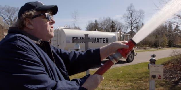 """Michael Moore dans son nouveau documentaire, """"Fahrenheit 11/9""""."""