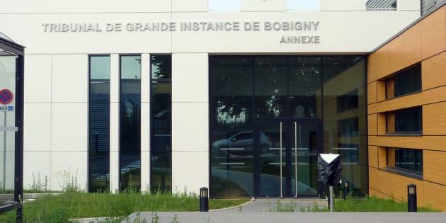 Juger les étrangers au pied des pistes de Roissy n'est pas digne de la justice de la République.