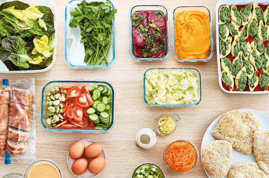 """Le livre """"En 2h je cuisine pour toute la semaine"""" propose quatre menus par saison, qui permettent de prévoir ses repas pour toute une semaine."""