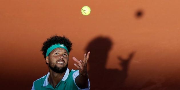 Jo-Wilfried Tsonga éliminé à Rolland-Garros dès le premier tour par Renzo Olivo, 91e joueur mondial
