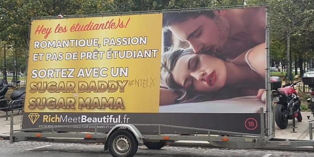 """Un camion publicitaire """"RichMeetBeautiful"""" accusé d'encourager la prostitution étudiante à Paris fait scandale"""
