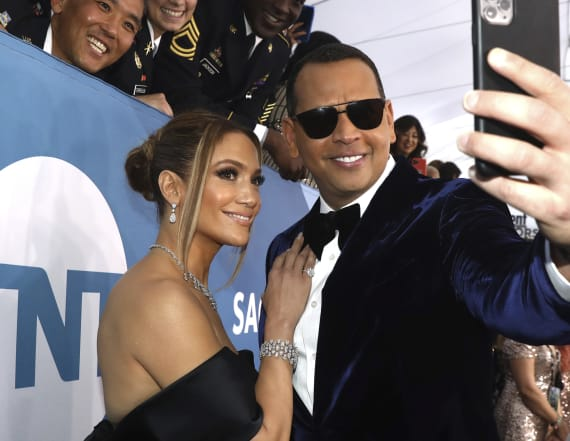 A-Rod, J-Lo caught at closed Florida gym