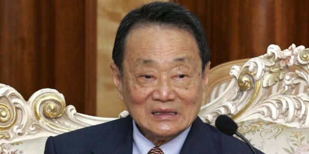 Malaysian tycoon Robert Kuok attends a meeting in Fuzhou, Fujian province, in this April, 18, 2005 file photo. Picture taken April 18, 2005.  REUTERS/China Daily (CHINA - Tags: BUSINESS POLITICS) CHINA OUT. NO COMMERCIAL OR EDITORIAL SALES IN CHINA