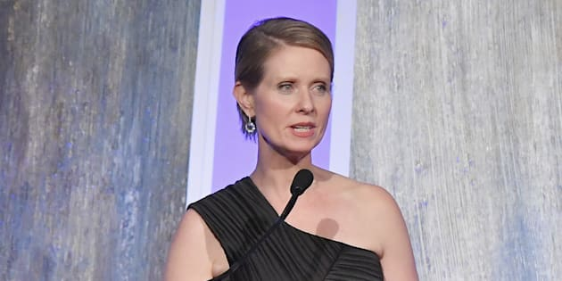 "La bataille pour devenir gouverneure de New York commence mal pour Cynthia Nixon de ""Sex and the City"""