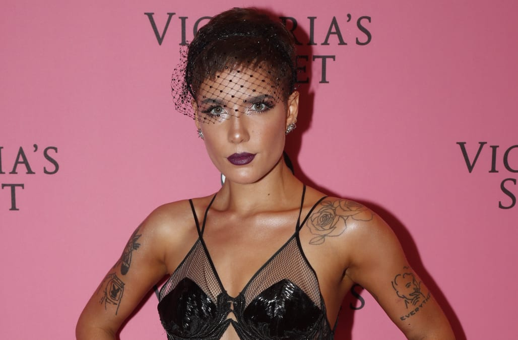 Halsey Criticizes Victoria S Secret Over Transgender Comments I