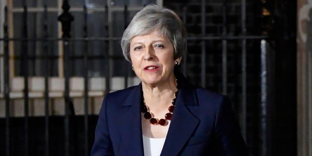 Brexit: le gouvernement britannique valide le projet d'accord