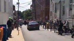 Auto contro la folla a Charlottesville, il momento dello