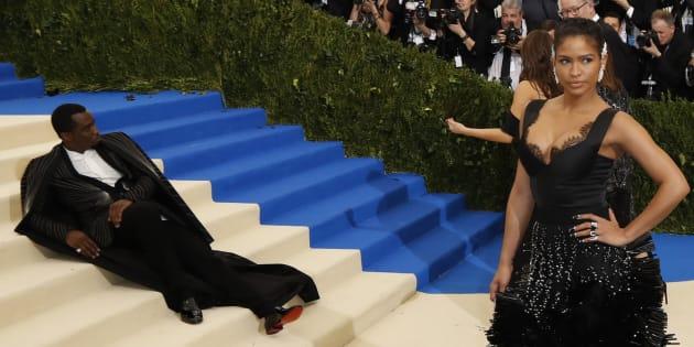 P. Diddy s'allonge sur le tapis rouge du Met Gala 2017.