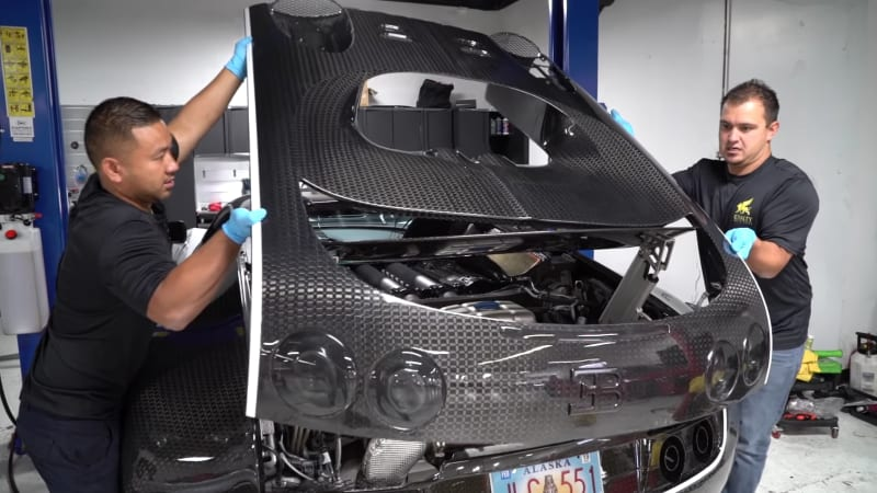 Watch a bugatti veyron undergo a 21000 oil change autoblog solutioingenieria Images