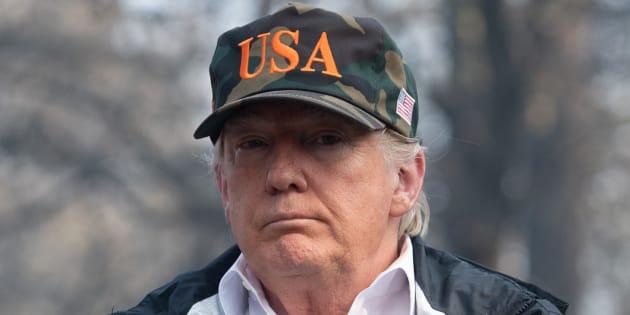 Casquette USA vissée sur le crâne, le président américain Donald Trump était ce samedi 17 novembre en Californie, un État dévasté depuis des jours par des incendies meurtriers.