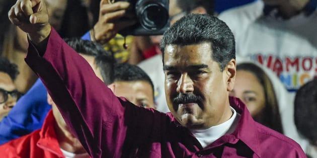 Nicolas Maduro devant ses supporters à Caracas après sa réélection le 20 mai 2018.