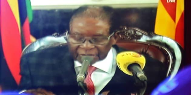 テレビ演説をするジンバブエのムガベ大統領。November 19, 2017. REUTERS/Philimon Bulawayo