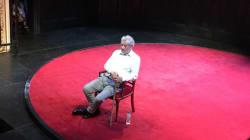 Ian McKellen a beau s'être blessé, il n'a pas laissé tomber son public pour