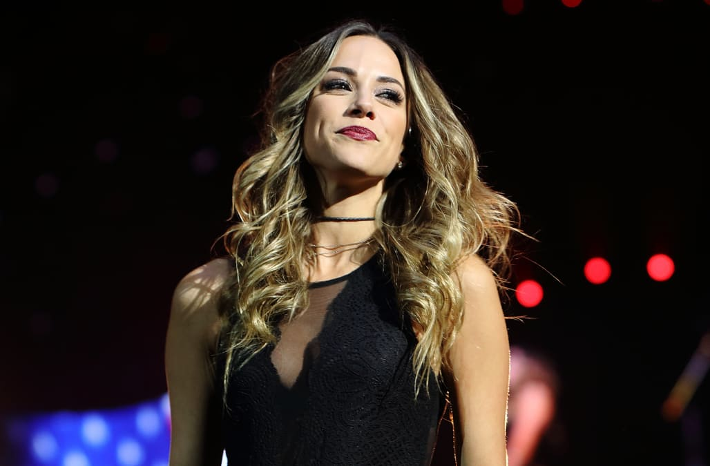 Jana Kramer reveals miscarriage in heartbreaking post - AOL
