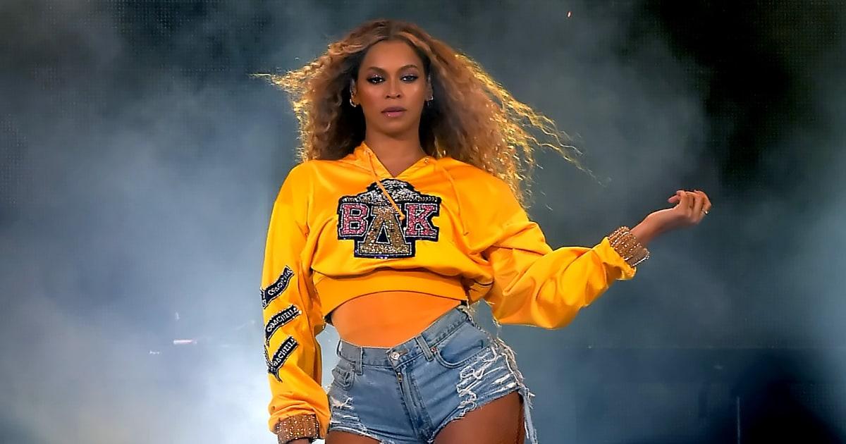 Al Coachella, la performance di Beyoncé è un tributo all'intera comunità afroamericana