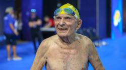 Cet homme vient d'exploser le record du monde du 50 m nage libre (des plus de 100