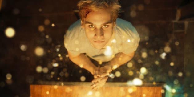 Primeiro papel de Nicolas Prattes no cinema, 'O Segredo de Davi' estreia nos cinemas nesta quinta-feira (22).