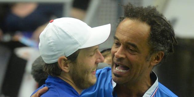 Oui, la France est favorite face à la Grande-Bretagne en Coupe Davis. / AFP PHOTO / Michal Cizek