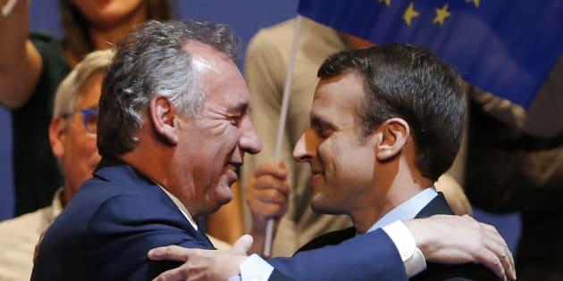 Bayrou, l'embarrassant champion de la moralisation de Macron