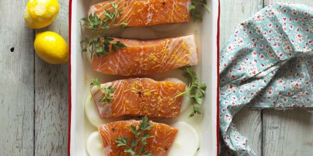 Le saumon frais non bio moins contaminé qu'avant, contrairement au bio