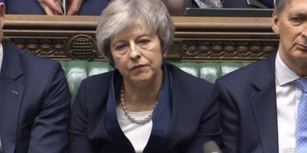 Il Parlamento di Londra vota su Theresa May. L