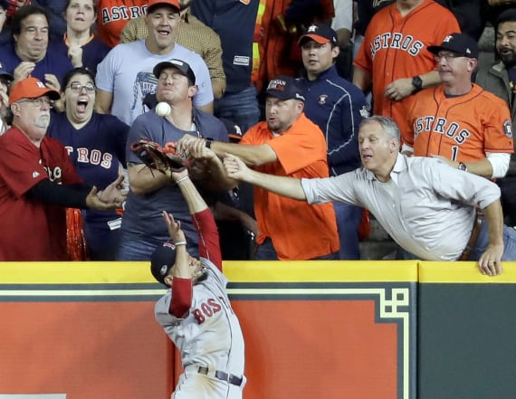 Red Sox win after Astros home run that wasn't