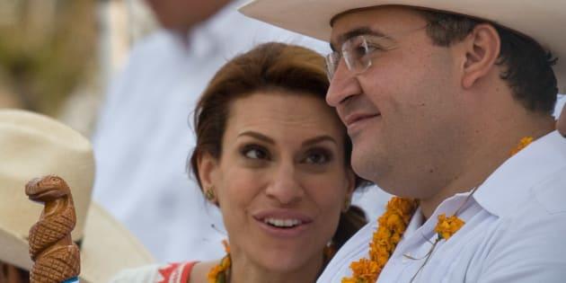 PAPANTLA, Verecruz.- Javier Duarte de Ochoa, entonces gobernador de Veracruz, y su esposa Karime Macías, durante la inauguración oficial de la Cumbre Tajín en 2011.