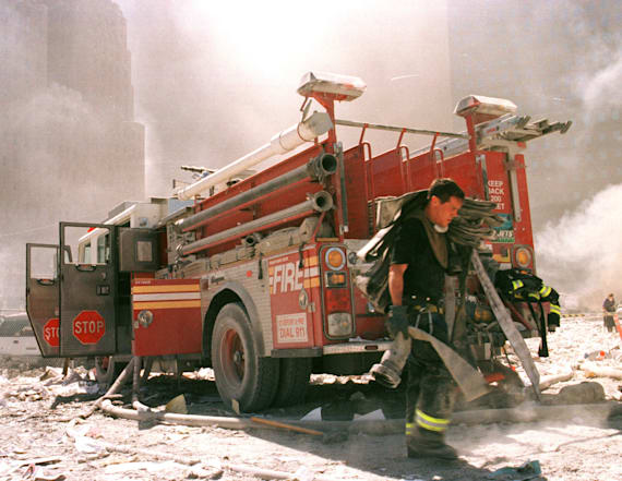 FDNY hero who evacuated hundreds on 9/11 dies at 45