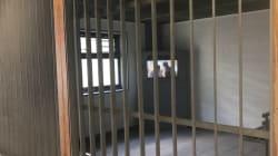 Faut-il vraiment allonger la durée de séjour maximum dans les centres de rétention? On a posé la question sur