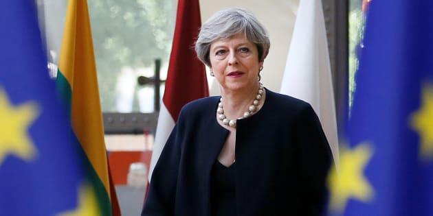 May promet que les citoyens européens pourront rester au Royaume-Uni après le Brexit