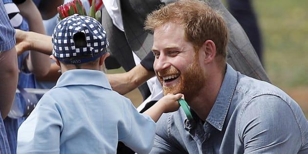 Principe Harry, il segreto del braccialetto che porta da 22 anni