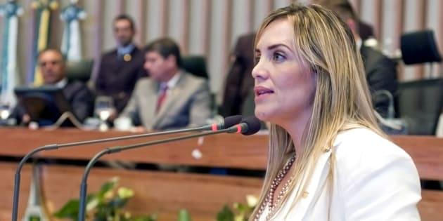 Deputada do Distrito Federal Celina Leão (PPS), autora do PL 1.465/2013.