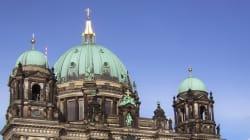 Spari nella Cattedrale di Berlino, zona isolata. La polizia colpisce un