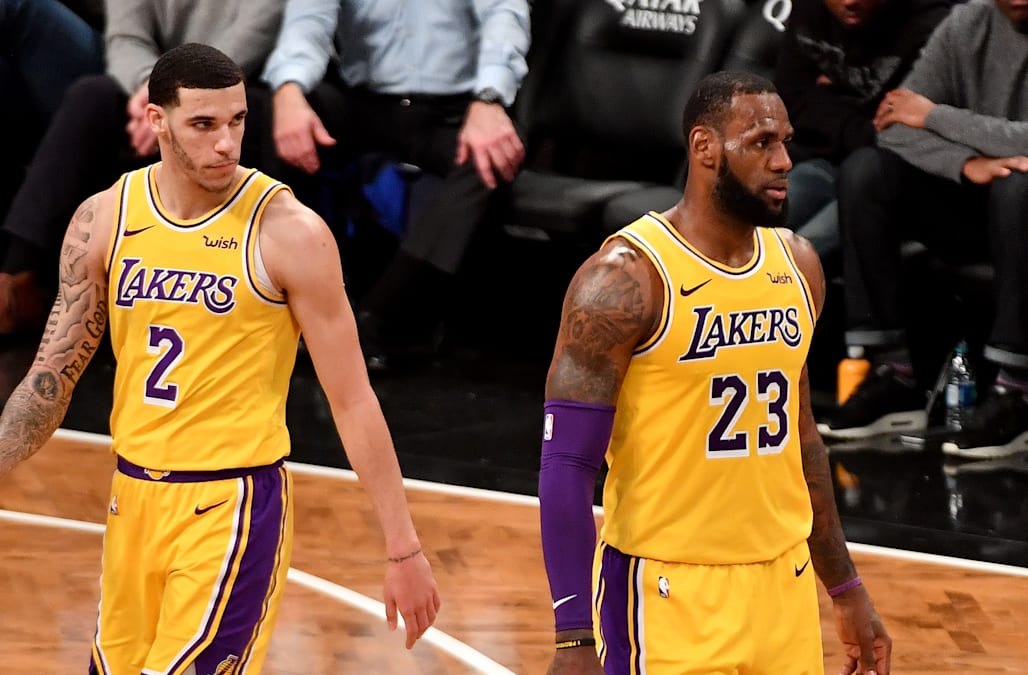 Report Lakers Teammates Became Distrustful Of Lebron James
