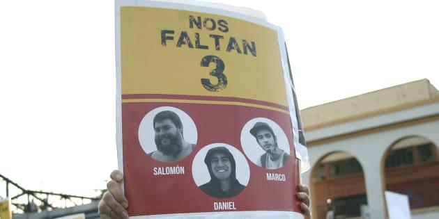 Estudiantes se movilizaron pidiendo justicia por los tres desaparecidos en la zona metropolitana de Guadalajara.