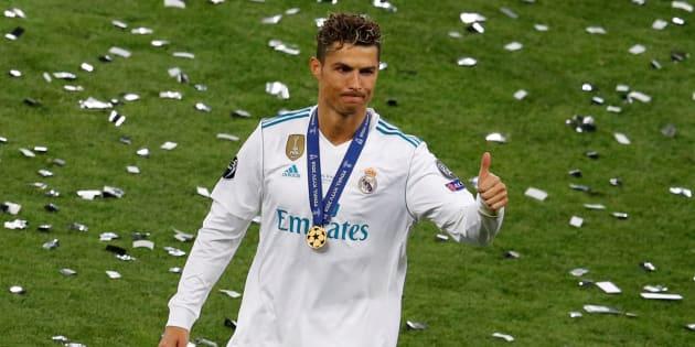 Cristiano Ronaldo celebrando después de ganar la final de la Liga de Campeones.