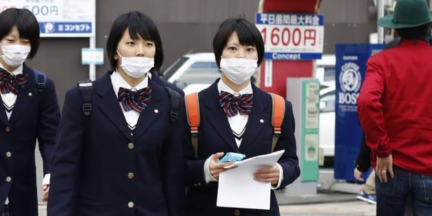 (写真はイメージ)制服を着た日本の女子学生=2014年11月19日撮影