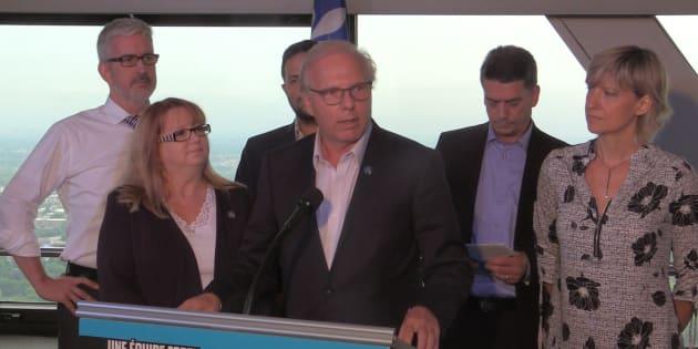 On sent que Jean-François Lisée (centre) et les chefs des autres partis sont déjà en campagne, même si elle n'est pas encore officiellement lancée.