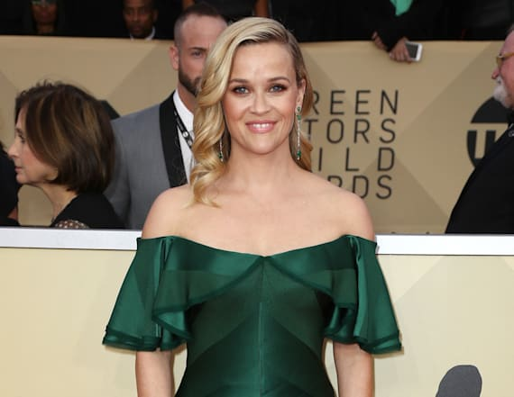Reese rules the SAG Awards in emerald gown