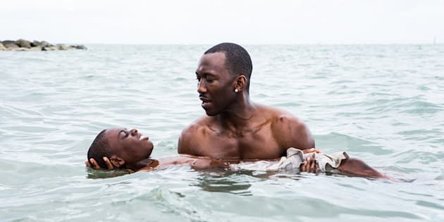 Cena do drama LGBT 'Moonlight: Sob a Luz do Luar', o mais recente vencedor do Oscar.