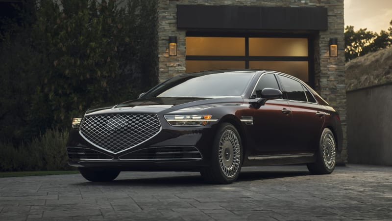 2020 Genesis G90 has flat pricing — would-be options are built in