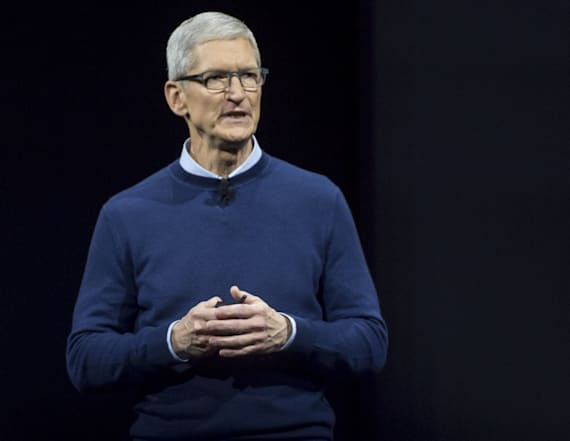 Apple CEO to build 3 manufacturing plants in the US