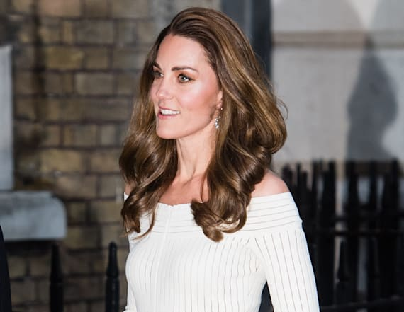 Duchess Kate exudes glamour at charity dinner