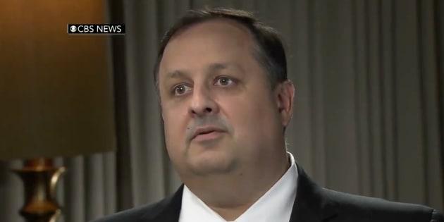 Face à Trump, le directeur du Bureau pour l'éthique gouvernementale jette l'éponge