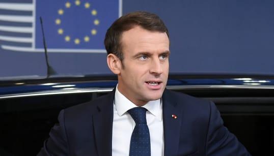 Comment Macron utilise le Brexit pour mettre en garde contre le RIC des gilets
